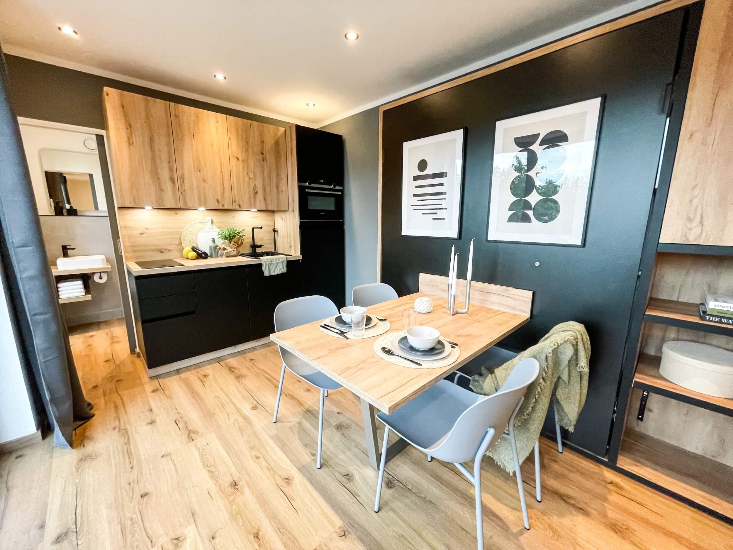 Tiny House BLOXS Küche und Essbereich