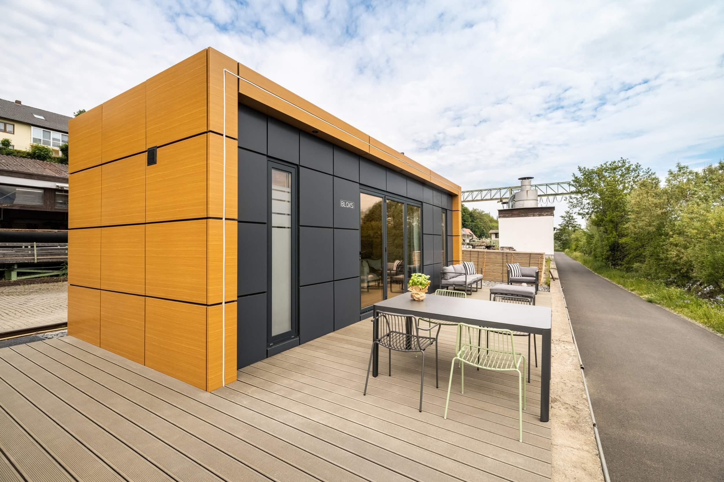 Tiny House BLOXS mit großer Terrasse